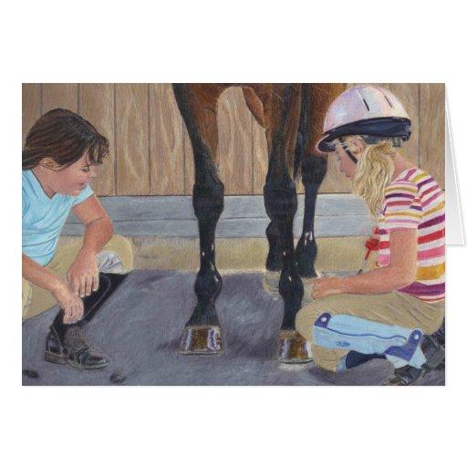 Chicas y tarjetas de felicitación del caballo