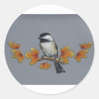 Chickadee del otoño pegatina redonda