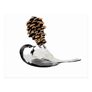 Chickadee rústico y mano del pinecone creada tarjeta postal