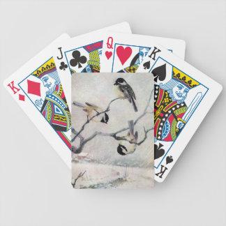 Chickadees en la nieve barajas de cartas