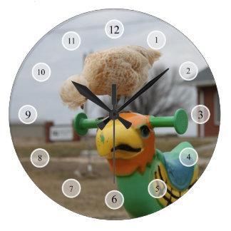 Chicken Meets a Friend Clock