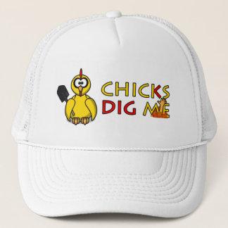 Chicks dig me! trucker hat