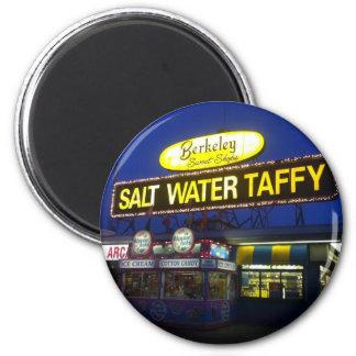 Chicloso del agua salada de Berkeley en el ocaso Imán Redondo 5 Cm