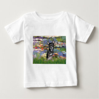 Chihuahua (bblue-cream) - Lilies 2 T-shirt