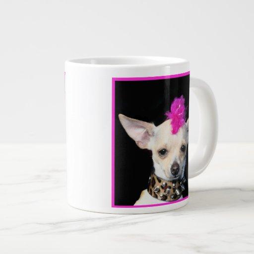 Chihuahua del punk rock taza grande