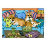 Chihuahua divertida del perro 99 que ve la TV Tarjetón