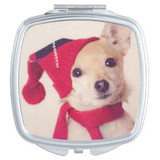 Chihuahua en casquillo del invierno espejos de maquillaje