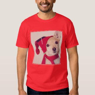 Chihuahua en casquillo del invierno remeras