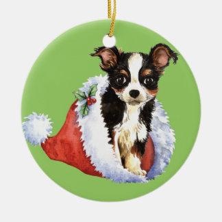 Chihuahua larga feliz de la capa de Howliday Adorno Redondo De Cerámica