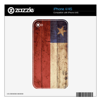 Chile Flag on Old Wood Grain iPhone 4 Skin