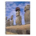 Chile, isla de pascua. Los 15 Moais en Ahu Libro De Apuntes Con Espiral