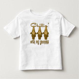 Chillin con mi Gnomies T-shirts