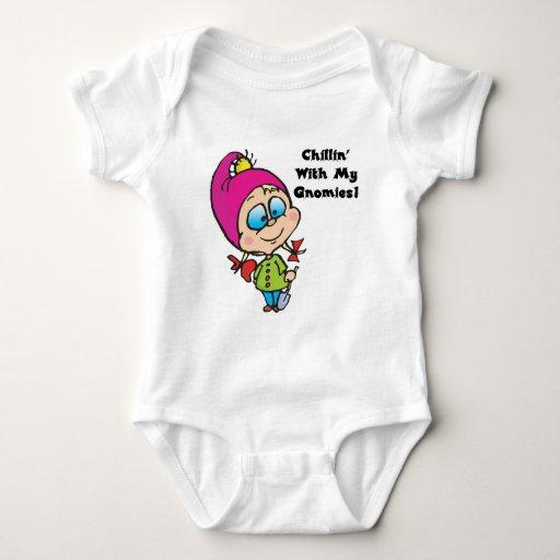 Chillin lindo con mi diseño de los gnomos tshirt