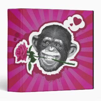 """Chimpancé con un color de rosa en su boca carpeta 1 1/2"""""""