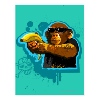Chimpancé que sostiene un plátano postal