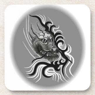 China-Dragón en estilo del tatuaje Posavaso