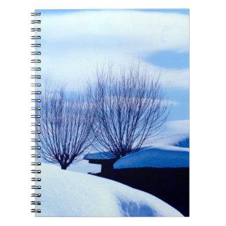 China en invierno - árboles en la nieve libretas espirales