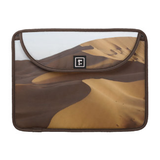 China, Inner Mongolia, Badain Jaran Desert MacBook Pro Sleeve