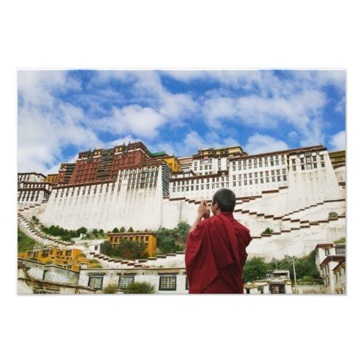 China, Tíbet, Lasa, monje tibetano con Potala Cojinete