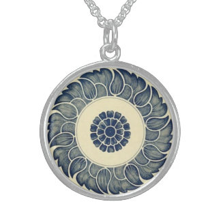 Chinese circle pattern necklace