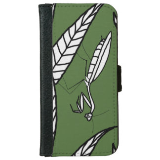 Chinese Praying Mantis On Leaves, Green Background iPhone 6 Wallet Case