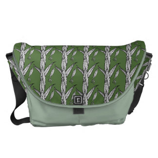 Chinese Praying Mantis On Leaves Pattern Courier Bags