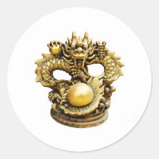 chino-estilo-dragón-estatua-weerayut-kongsombu pegatina redonda