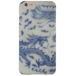 Chinoiserie chino del azul de Mónaco del dragón Funda De iPhone 6 Plus Barely There