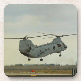 Chinook o práctico de costa del helicóptero del ca posavaso