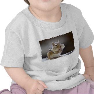Chipmunk con la foto llena de las mejillas camiseta