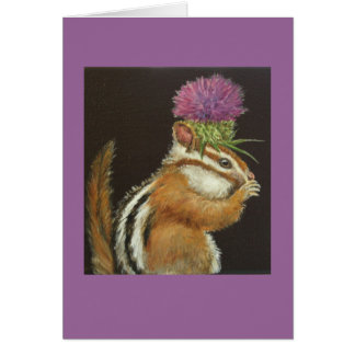chipmunk con la tarjeta del gorra del cardo