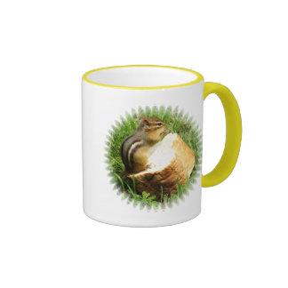 Chipmunk que dice tolerancia taza de dos colores