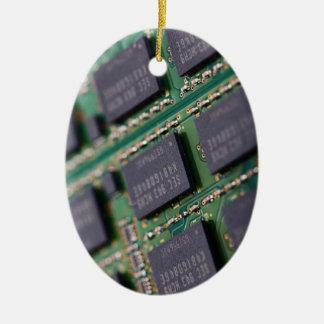 Chips de memoria del ordenador adorno navideño ovalado de cerámica