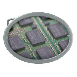 Chips de memoria del ordenador hebilla cinturon oval