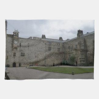 Chirk el patio interno del castillo toallas de mano