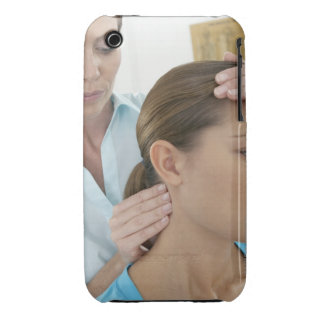 Chiropractic examination of the neck. The iPhone 3 Cases