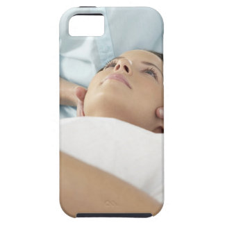 Chiropractic treatment of the neck using the iPhone SE/5/5s case