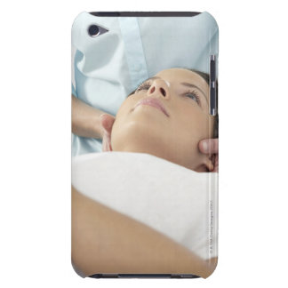 Chiropractic treatment of the neck using the iPod touch cases