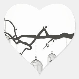 Chirrido en un cage3 pegatina en forma de corazón
