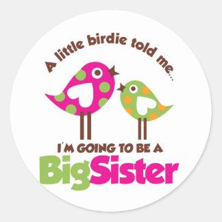 Chirrido que va a ser una hermana grande pegatina redonda
