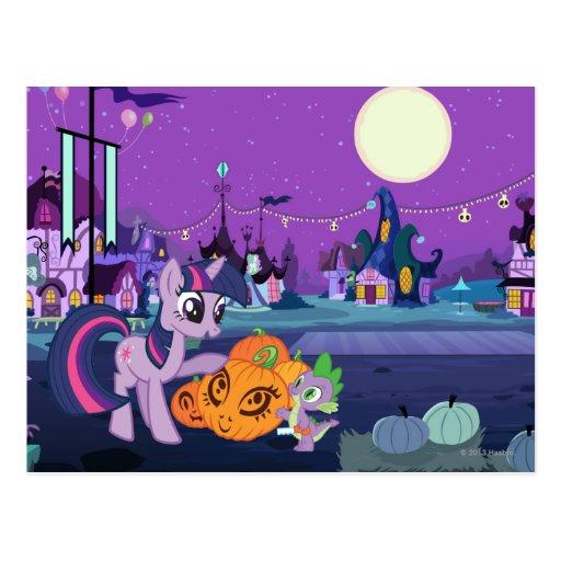 Chispa crepuscular con la calabaza de Halloween Tarjeta Postal