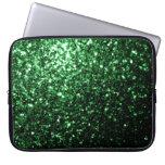 Chispas hermosas del brillo del verde del encanto funda ordendadores