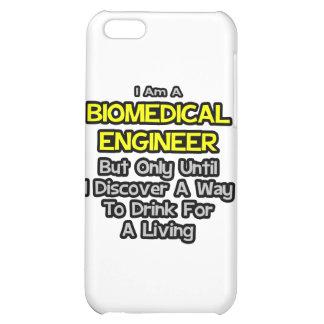 Chiste biomédico del ingeniero. Bebida para una vi