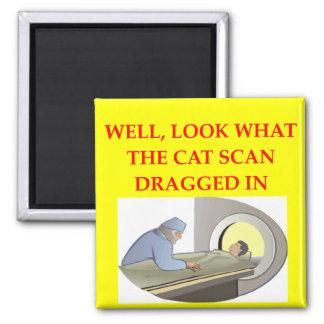 chiste de la radiología imán cuadrado