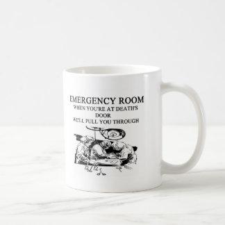 chiste de la sala de urgencias taza básica blanca