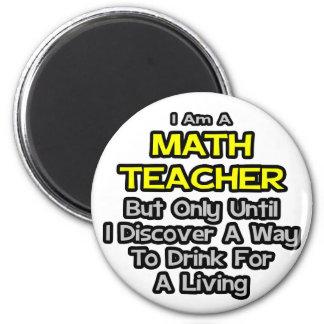 Chiste del profesor de matemáticas. Bebida para un Iman De Nevera