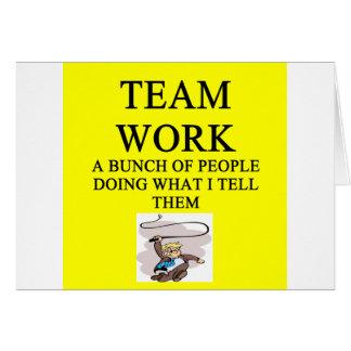 chiste del trabajo del equipo tarjeta de felicitación