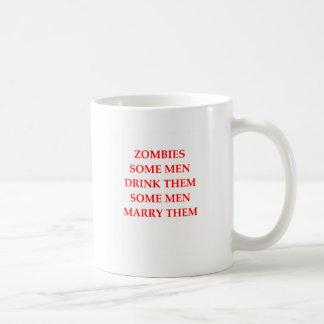 chiste del zombi taza básica blanca