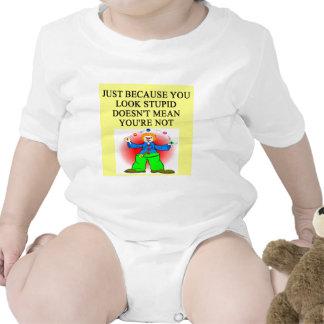 Chiste ESTÚPIDO Camiseta