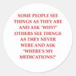 chiste loco del psiquiatra etiquetas redondas